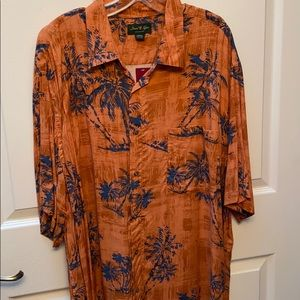 r button front orange shirt size 2XLT NWT